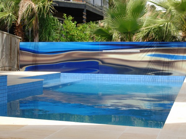 Printed glass pool Feature