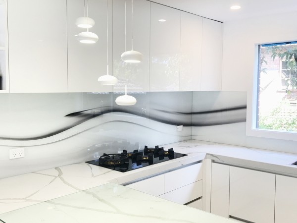 Flowing Splash back